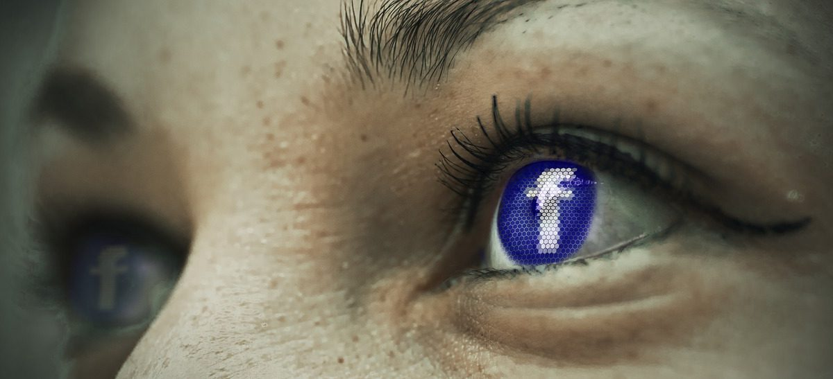 La OCU presenta una demanda colectiva contra Facebook