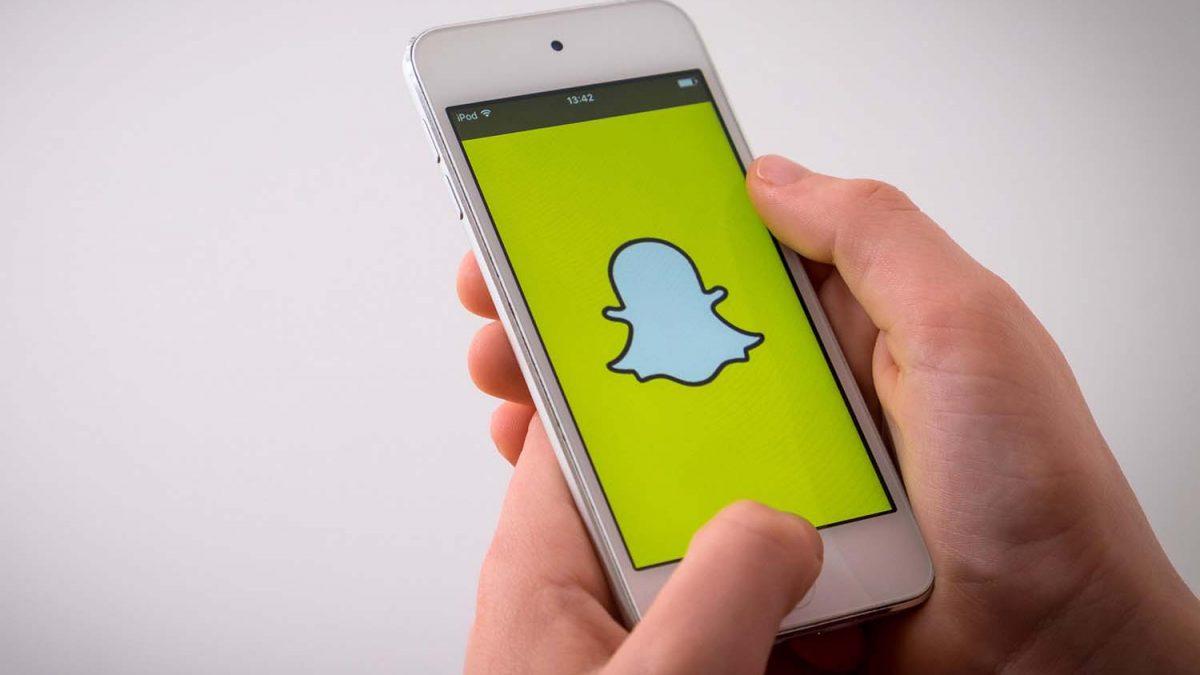 Alertan de la 'dismorfia snapchat', trastorno de personas que buscan parecerse a sus selfies con filtro