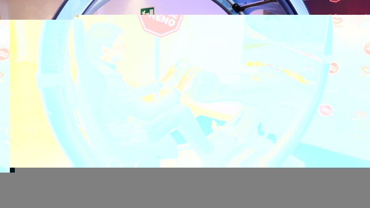 PlayStation y Ponle Freno presentan su nueva campaña con Carlos Sainz