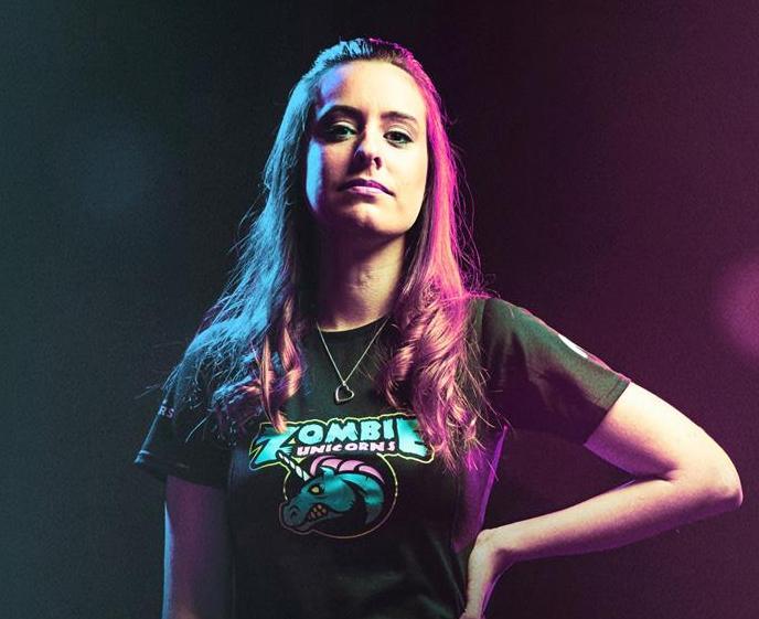Jugadora de eSports: «Si saben que eres mujer, los insultos son dobles»