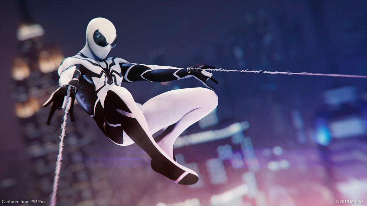 Marvel's Spider-Man presenta nuevos trajes inspirados en Los Cuatro Fantásticos