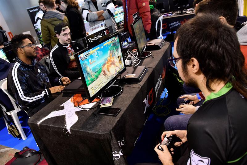 Tencent eleva a 16 la edad mínima para jugar a su nuevo videojuego