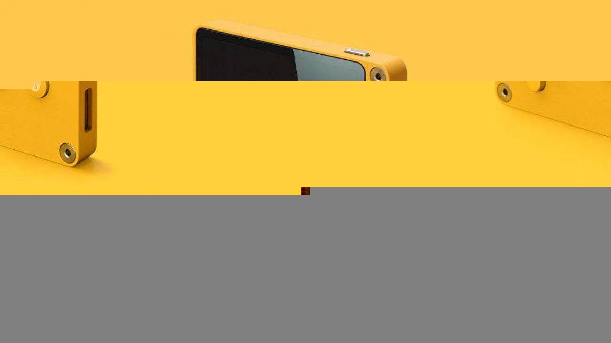Playdate, una videoconsola que se maneja con manivela