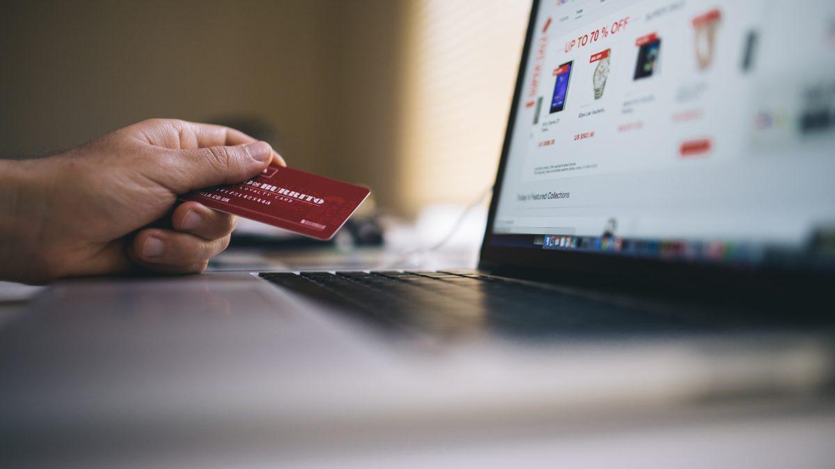 Nueve de cada diez españoles han comprado por Internet en el último año