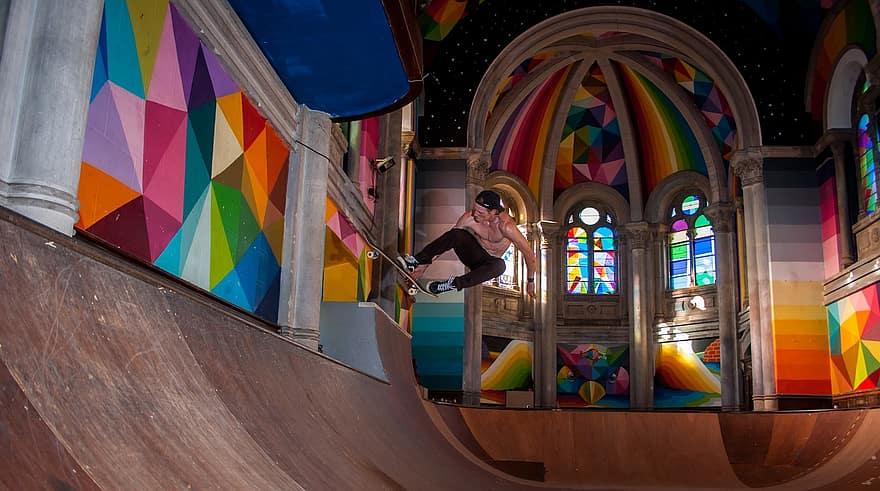 Los mejores destinos de skate en Europa, según Tony Hawk