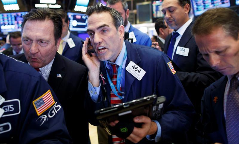 Wall Street cierra con subidas mientras se diluye el fenómeno GameStop