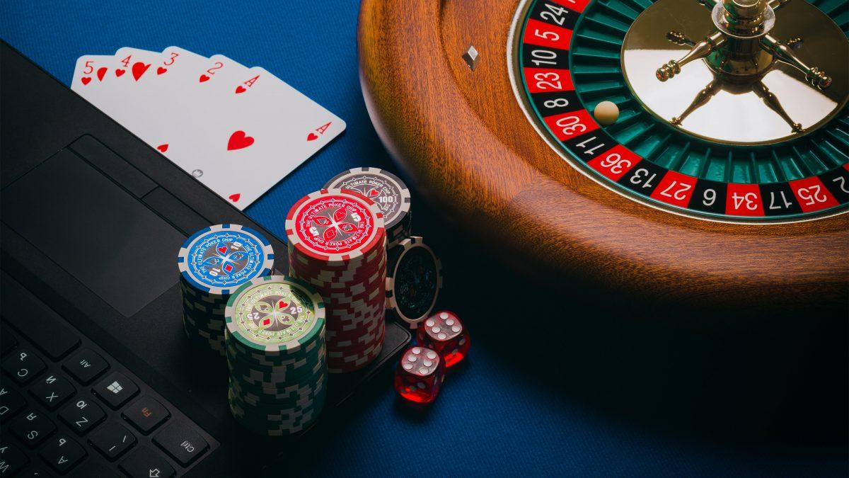 Cómo los casinos se adaptaron a Internet