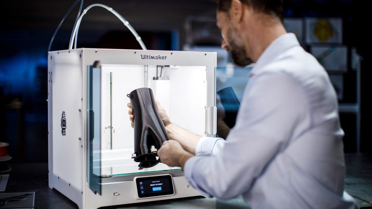 La empresa Intech3D crea un 'software' que cuadriplica la velocidad de las impresoras 3D en red